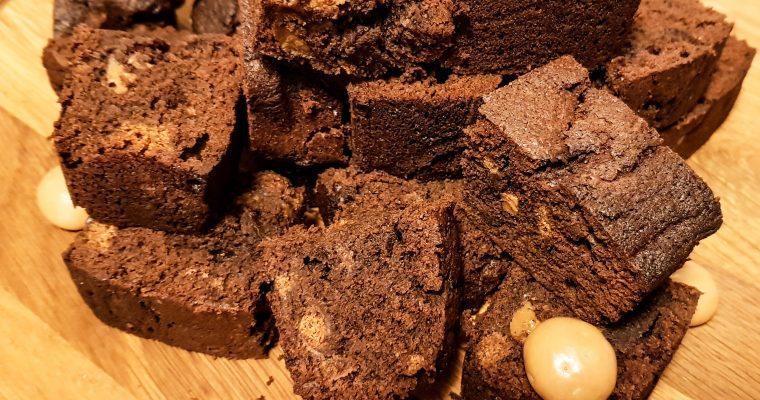 Brownies met karamelpepernoten, dulche de leche en zeezout