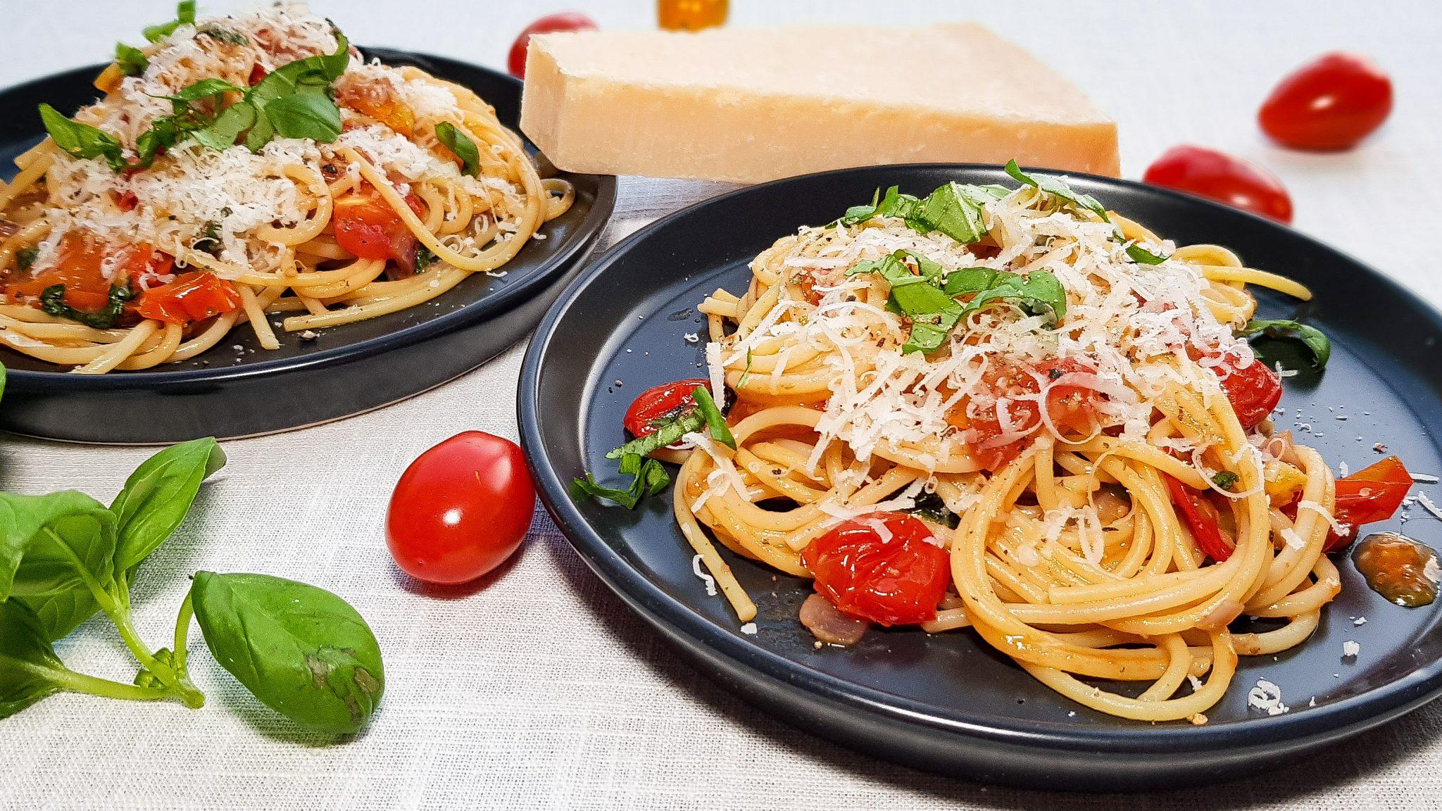 Spaghetti met geroosterde tomaatjes en ansjovis