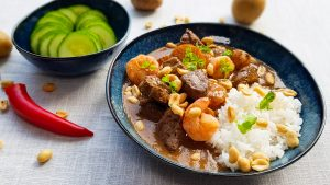 Thaise Massaman curry met biefstuk en garnalen