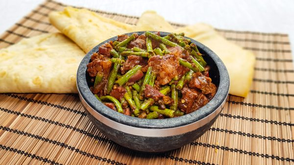 Surinaams zoutvlees met kouseband & roti