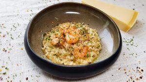 Risotto aglio lio con peperoncini y gamberi (risotto met knoflookgarnalen)