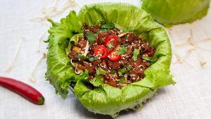 Slawraps met Koreaans gehakt en groenten