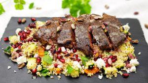 Ribeye steak met couscous salade en ras el hanout kruiden