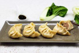 Chinese gyoza dumplings met een vulling van kipgehakt met paksoi
