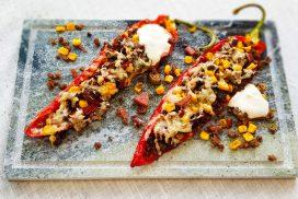 Mexicaanse gevulde paprika's met parmaham en mais