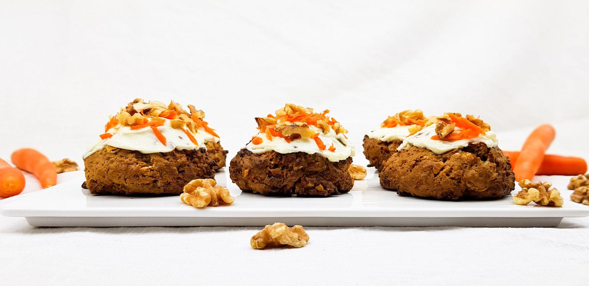 Carrot cake cookies met frosting