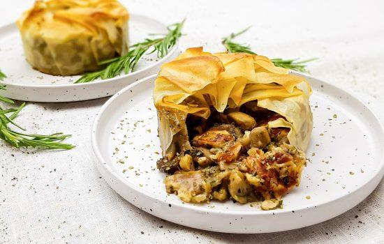 Krokante taartjes met paddenstoelen en halloumi