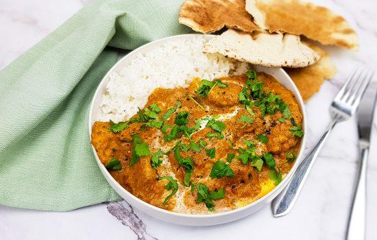 Butter chicken: Tandoori kip in boterige tomatensaus