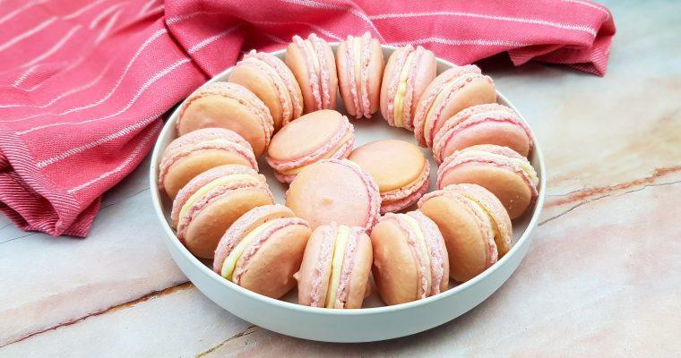 Roze macarons met rozen-botercrème