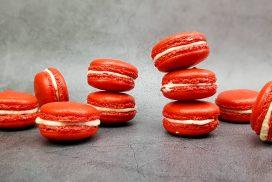 Red velvet macarons met roomkaasvulling