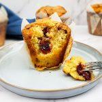 Muffins met rood fruit en witte chocolade
