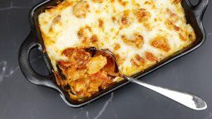 Macaronischotel met chorizo, manchego en bechamelsaus