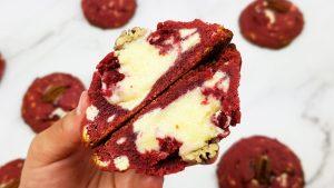 Red velvet cookies met creame cheese vulling