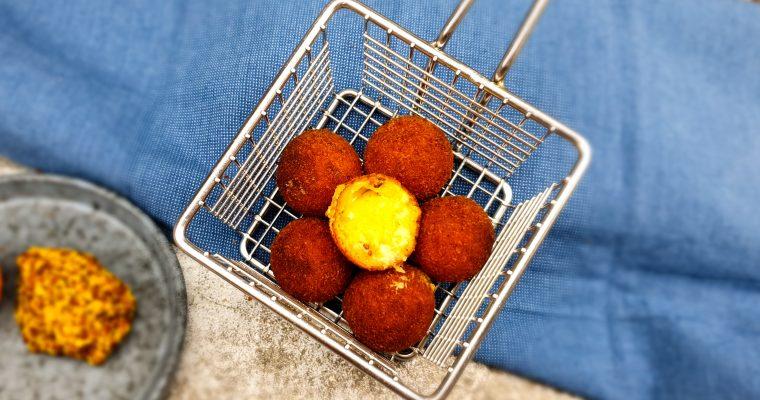 Kaas bitterballen met mosterd