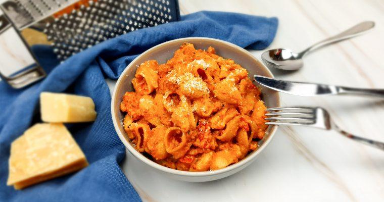 Pittige pasta met rode pesto