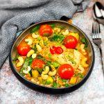 Rode curry met zalm en tomaatjes