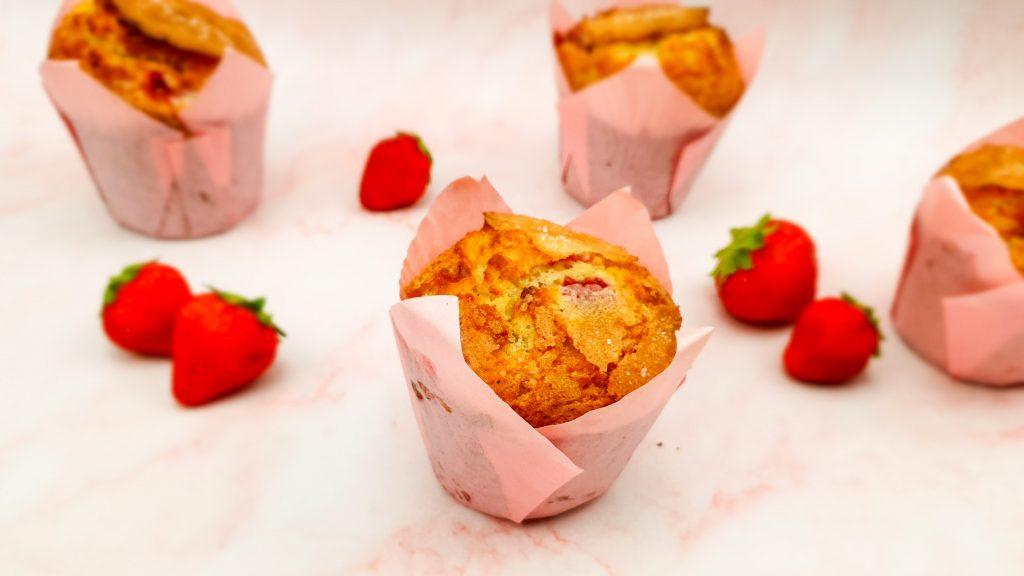 Aardbeien muffins met witte chocolade
