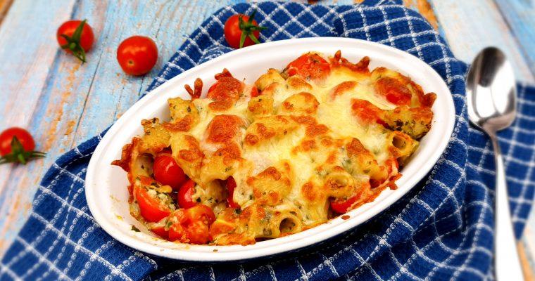 Caprese macaronischotel met pesto