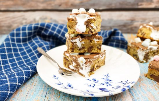 S'mores cookie bar
