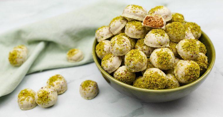 Witte chocolade pepernoten met pistache
