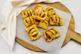 Mini frikandelbroodjes maken