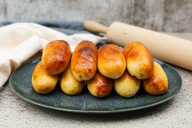 Indische worstenbroodjes