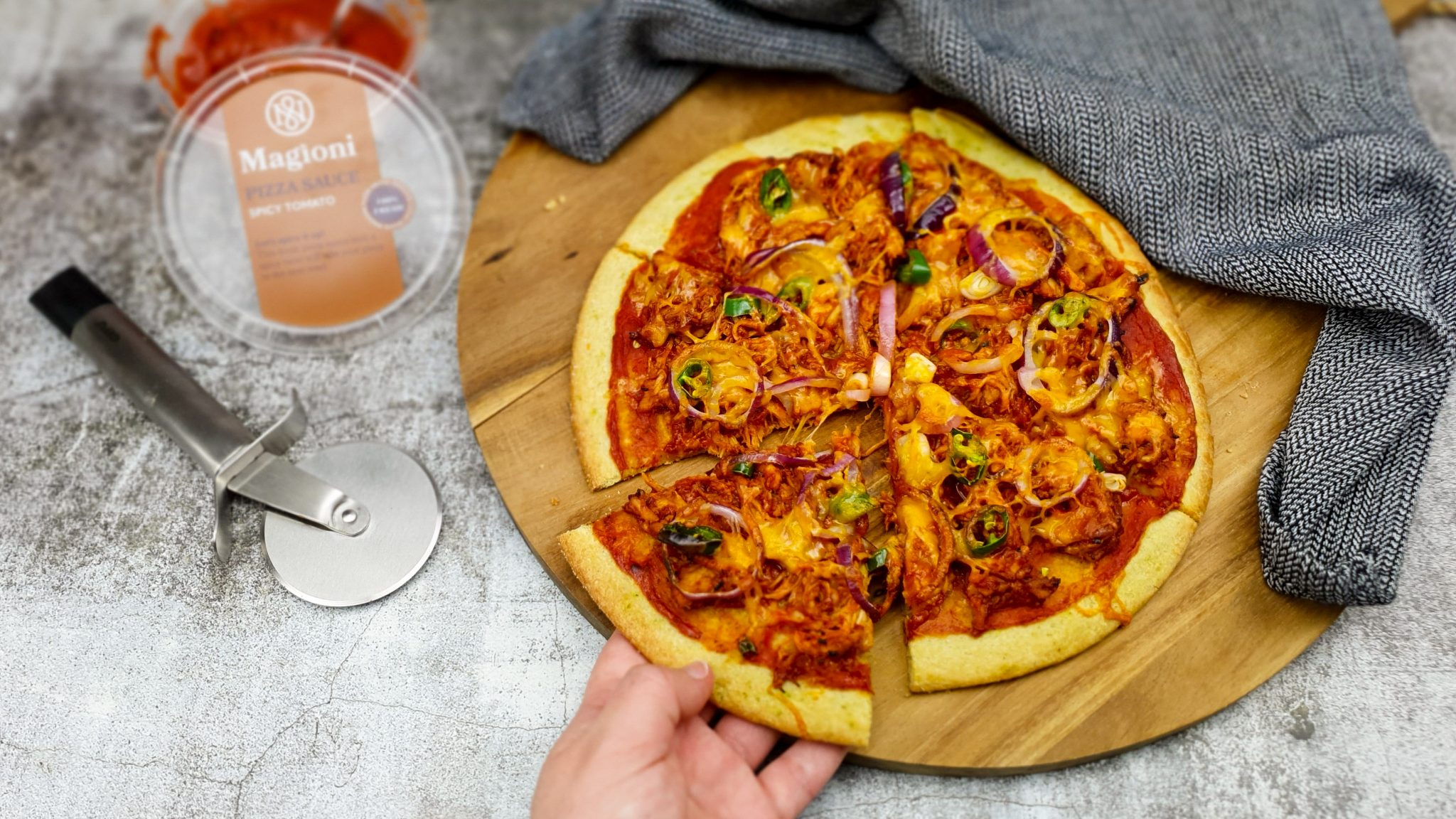 Pulled bbq chicken pizza