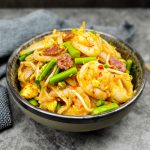 Chinese noedels (Char kway teow)