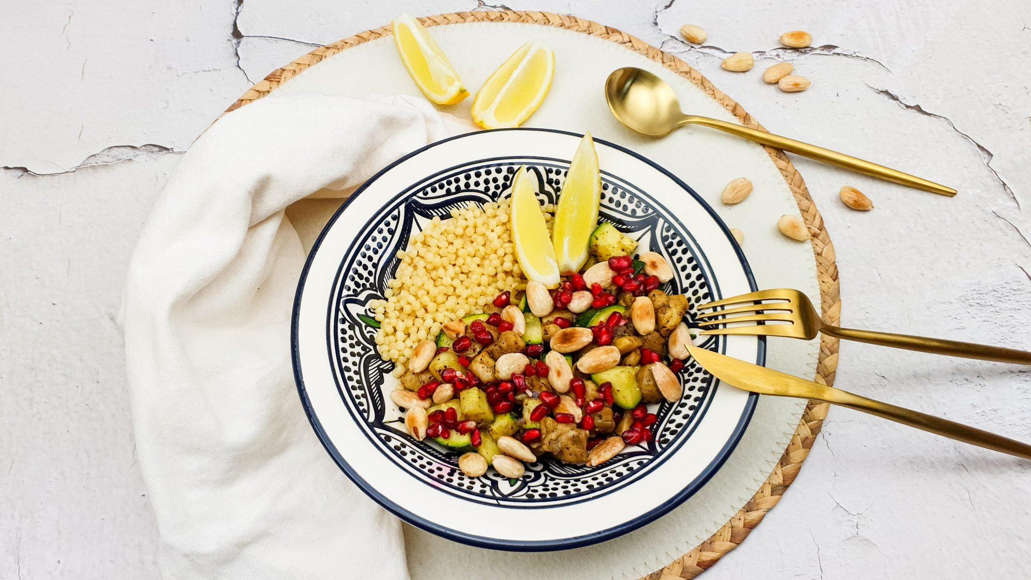 Marokkaanse kip met abrikozen en parelcouscous