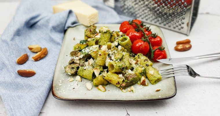 Pasta pesto met champignons en courgette
